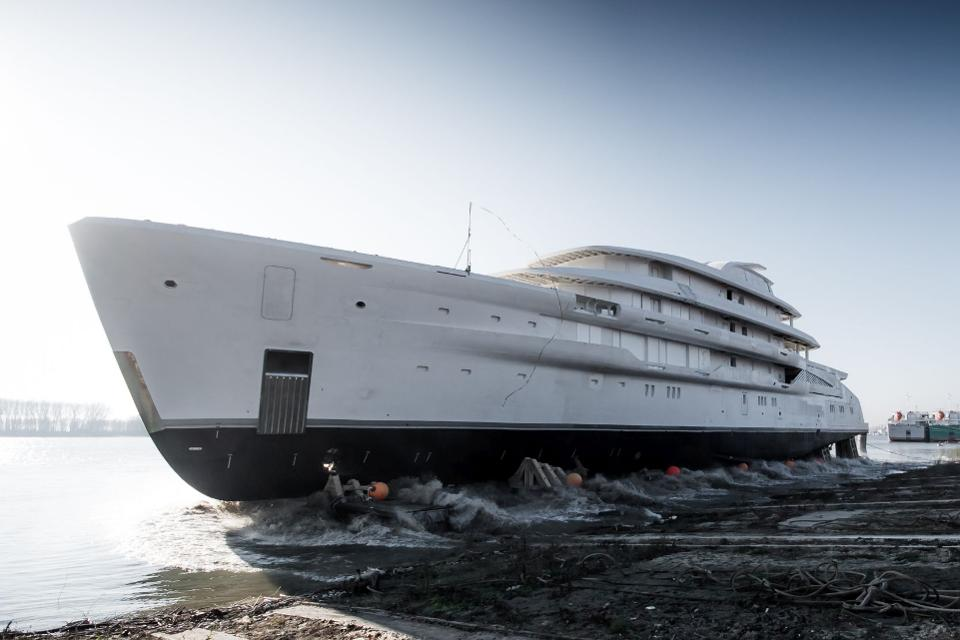 Amels yacht builder mlkyachts yacht contruction amels shipyard amels superyacht2 - Princess yacht Princess yachts yacht charter superyachts charter yachts holidays yacht hire mlkyachts