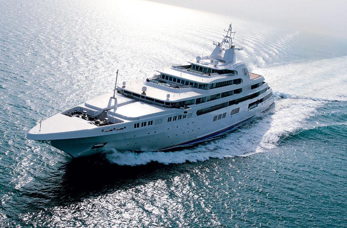 mlkyachts dubai yacht broker charter a yacht dubai superyacht broker3 - Luxury Yacht Insurance service Superyachts insurance service